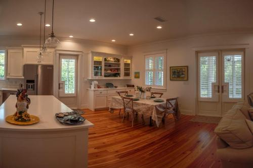 Small 100'x 55' lot | Cozy Three Bedroom Two Bath Home Design